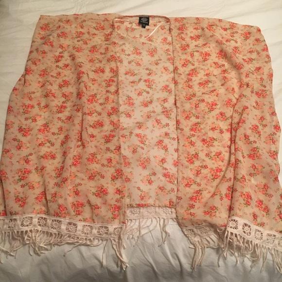f5ebd89e9 Bobeau Sweaters | 4 For 15 Dillards Floral Kimono L | Poshmark